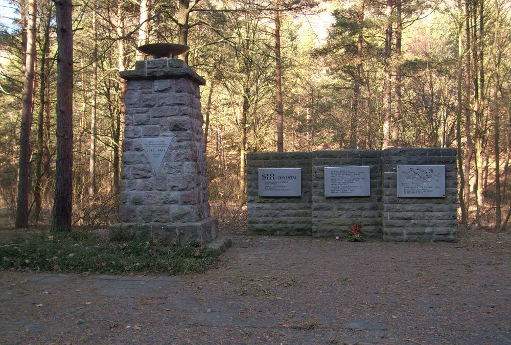 Denkmal im Tal